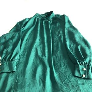 Green Eloqui Blouse with Pearl closure